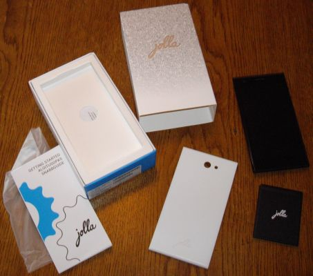 The contents of the Jolla box.